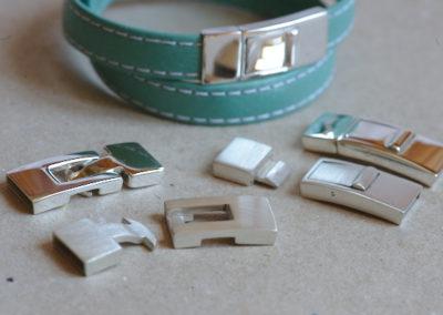 Fermoir pour bracelet en cuir